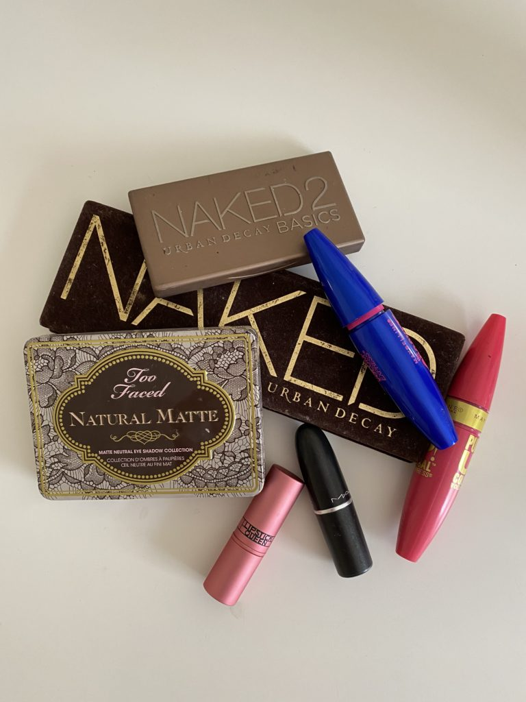 The Dangers of Counterfeit Makeup and How You Can Avoid It